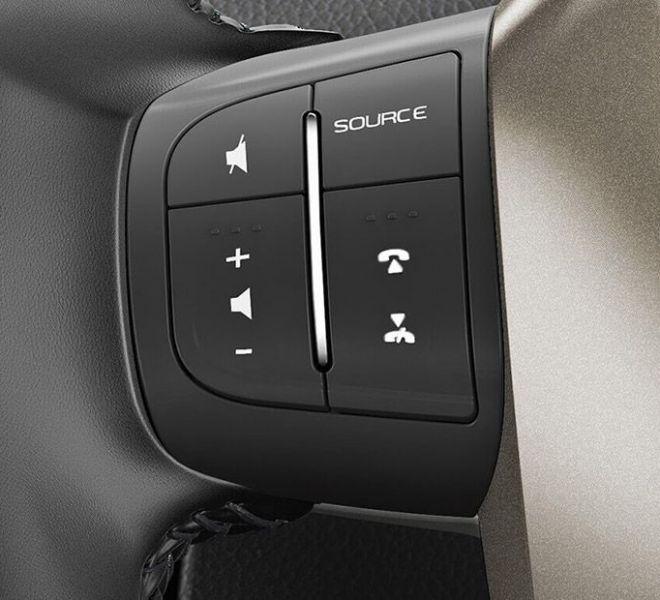 Automotive Mahindra XUV500 Interior-10