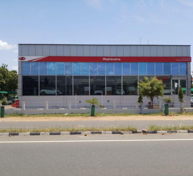 automotive-mahindra-showroom-gallery-11