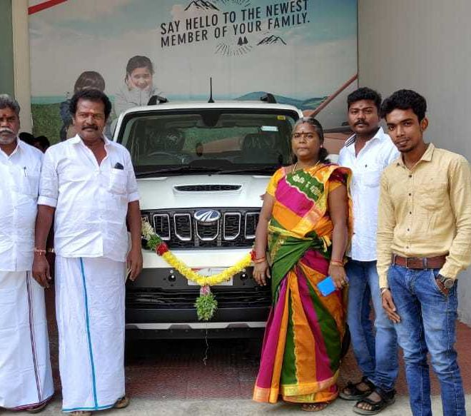 automotive-mahindra-showroom-gallery-12