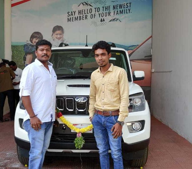 automotive-mahindra-showroom-gallery-13