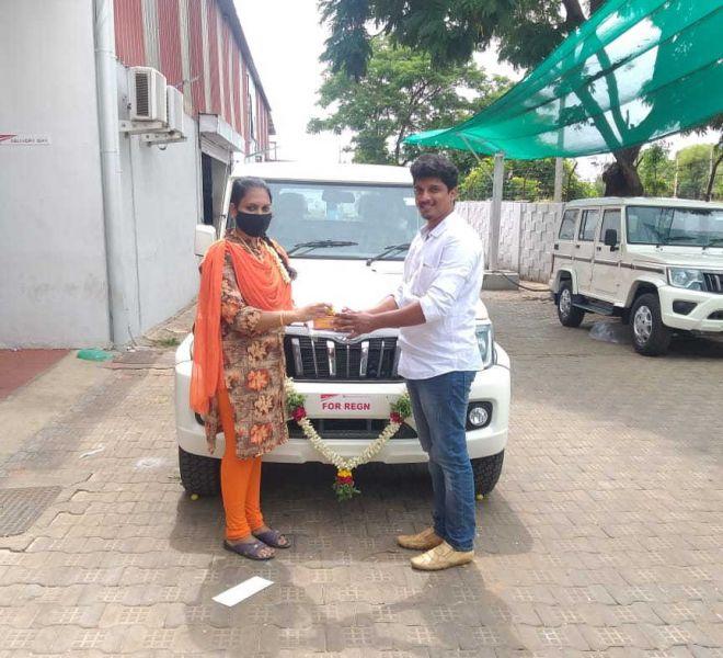 automotive-mahindra-showroom-gallery-15