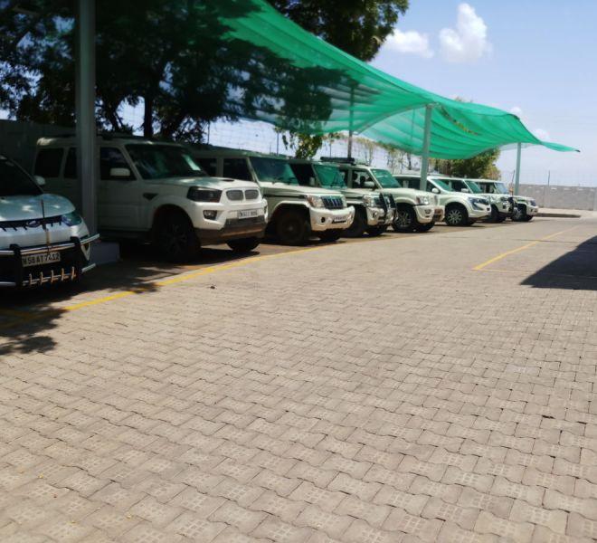 automotive-mahindra-showroom-gallery-2