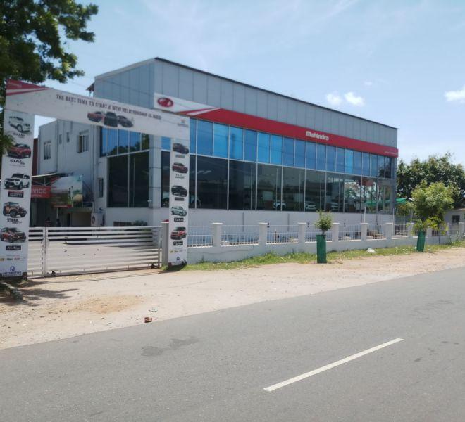 automotive-mahindra-showroom-gallery-5