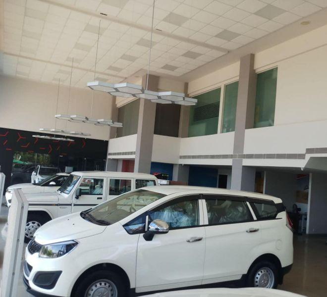 automotive-mahindra-showroom-gallery-7